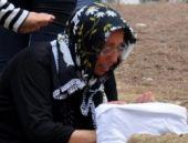 Öldürdüğü kızının başında ağlamış