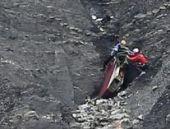 Fransa'da düşen Germanwings uçağı: 'Pilot kilitlenen kabin kapısı dışında kaldı'