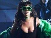 Rihanna ödül töreninde sahne şovuyla büyüledi!