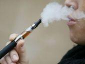 Sigara içmeyen gençler e-sigara deneyebiliyor