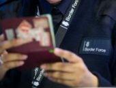 İngiltere çıkışlarda pasaport kontrolüne başladı