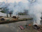 Nepal'de cesetler yakılmaya başladı