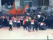 Bir grup Taksim'e çıktı müdahale başladı