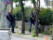 Gösterici döven eli sopalı kişiler kim?