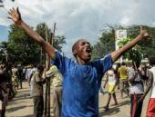 Burundi devlet başkanı darbe girişiminin ardından ülkesine geri dönebildi