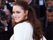Fahriye Evcen Cannes'da boy gösterdi!