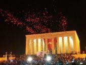 Binlerce kişi Anıtkabir'de bir araya geldi