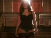 Ünlü şişman mankenden seksi reklam filmi!
