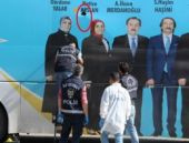 Diyarbakır'da AK Parti seçim otobüsüne saldırı