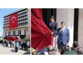 Davutoğlu İzmir'de Başbakanlık Ofisi'ni açtı