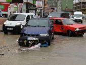 Ankara'da şok! Araçlar selde sürüklendi...