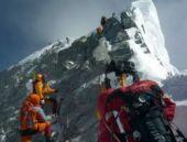 'Nepal depremi Everest dağını 3 cm uzattı'