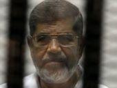 Mısır'da darbeyle devrilen Mursi'ye ömür boyu hapis cezası