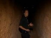 CNN muhabiri Türkiye sınırındaki IŞİD tünellerinde!