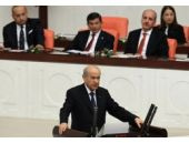 Meclis'e damga vuran Bahçeli Davutoğlu karesi