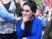 Figen Yüksekdağ, gözyaşlarına boğuldu!