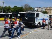 Taksim'de Onur Yürüyüşü'ne polisten sert müdahale!