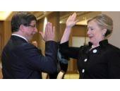 Clinton Davutoğlu için bakın ne demiş!