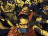 İspanya'da gösterilere sınırlama getiren yasa tepki çekti