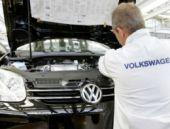 Volkswagen'de üretim robotu işçi öldürdü
