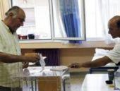 Yunanistan referandum için sandık başında