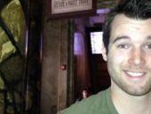 Havai fişeği başında patlatan genç adam öldü