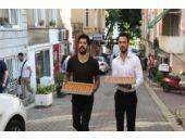 Burak Özçivit ve Murat Boz'dan bayram sürprizi