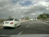 Araç kamerasından saniye saniye kaza anı