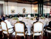 Erdoğan'dan YAŞ Toplantısı'nda bir ilk! Yemek verdi!