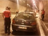 Bolu Tüneli'nde otomobil yandı