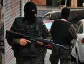 Van'da karakola bombalı araçla saldırı