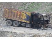 Teröristler 18 iş makinesini ateşe verdi