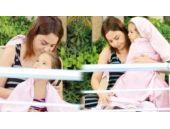 Ebru Gündeş kızıyla tatilde keyif yaptı!