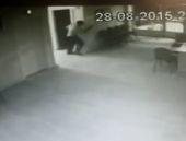 AK Parti'ye saldırı kamerada!