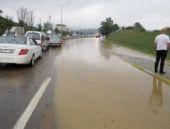 Beykoz'da sel baskını... Araçlar mahsur kaldı