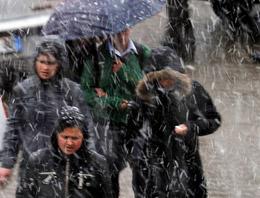 Karın yağışını belki de en çok onlar bekliyor... Okulların tatil olmasıyla karın keyfini sürüyorlar... İşte kar tatili olan iller...
