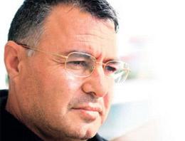 Terör örgütü PKK'nın eski kara kutusu Nizamettin Taş, Öcalan'ın avukatlarının 2004'te askeri helikopterle Kandil'e götürüldüğünü iddia etti