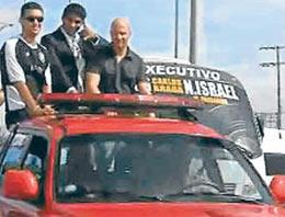 Galatasaray'a gelen en pahalı futbolcu olarak tarihe geçen Mario Jardel, Brezilya 3. Lig takımlarından Rio Negro'ya transfer oldu.