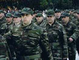 Yeni tasarıyla asker kaçaklarına hapis cezası kalkıyor ancak yerine başka ceza geliyor...