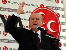 Zaman gazetesi yazarı Mümtazer Türköne bugün köşesinde MHP lideri Devlet Bahçeli'nin istifa etmesi gerektiğini yazdı