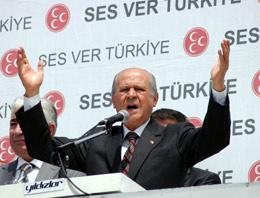 Konda Araştırma Şirketi Genel Müdürü Bekir Ağırdır, MHP'nin 12 Haziran seçimlerinde baraj altı kalabileceğini söyledi.