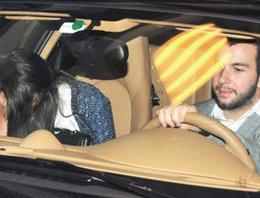 Şahan Gökbakar'ın yönetmen kardeşi Togan Gökbakar, kısa dönem askerliğini tamamlayıp tezkeresini alır almaz Porsche'sine atlayıp çapkınlık turuna çıktı