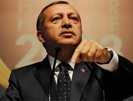 Başbakan Recep Tayyip Erdoğan partisinin reklam filminde oynadı, tavrı ve hareketleri büyük ilgi uyandırdı.