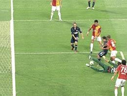 İlk süper lig maçında yediği ilk gol sonrası camiada Muslera tartışması başladı