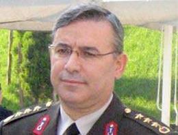İstanbul İl Jandarma Alay Komutanı Hüseyin Kurtoğlu'nun makam odasındaki silahı ve parasıyla birlikte altınları çalındı.