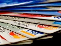 Yargıtay, vatandaşın 10 yıl geriye dönük olarak kredi kartı aidatını almasının yolunu açtı