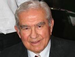 Turizm ve Tanıtma eski Bakanı Dr. Ahmet İhsan Kırımlı hayatını kaybetti