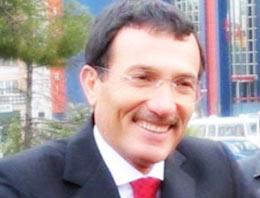 Efsane Vali Recep Yazıcıoğlu'nun Mercedes marka makam aracı satışa çıkarıldı.