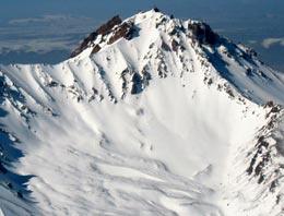 Kayseri'nin sembolü Erciyes Dağı, Alpler'den sonra dünyanın ikinci büyük kış turizmi merkezi olma yolunda ilerliyor.