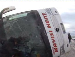Kayseri'de yolcu otobüs devrildi
